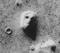 https://upload.wikimedia.org/wikipedia/commons/7/77/Martian_face_viking_cropped.jpg