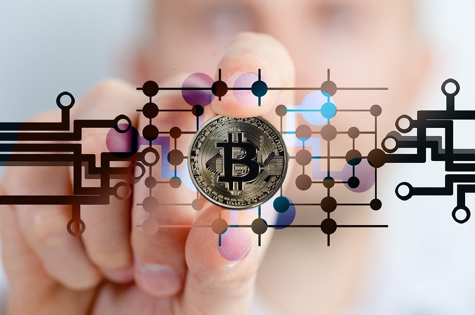 Banche centrali e monete virtuali/blockchain: i progetti e i vantaggi
